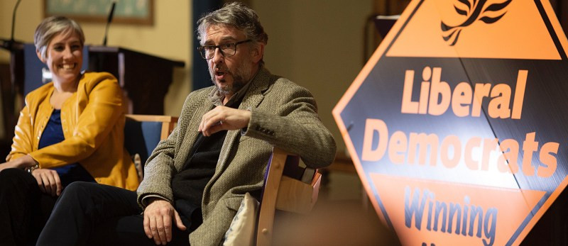 Steve Coogan calls for tactical voting to elect Daisy Cooper