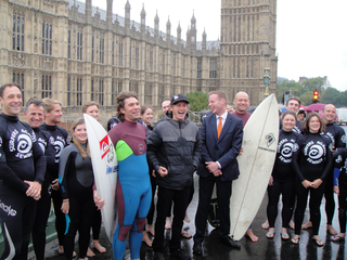 surfers-westminster-bridge.png