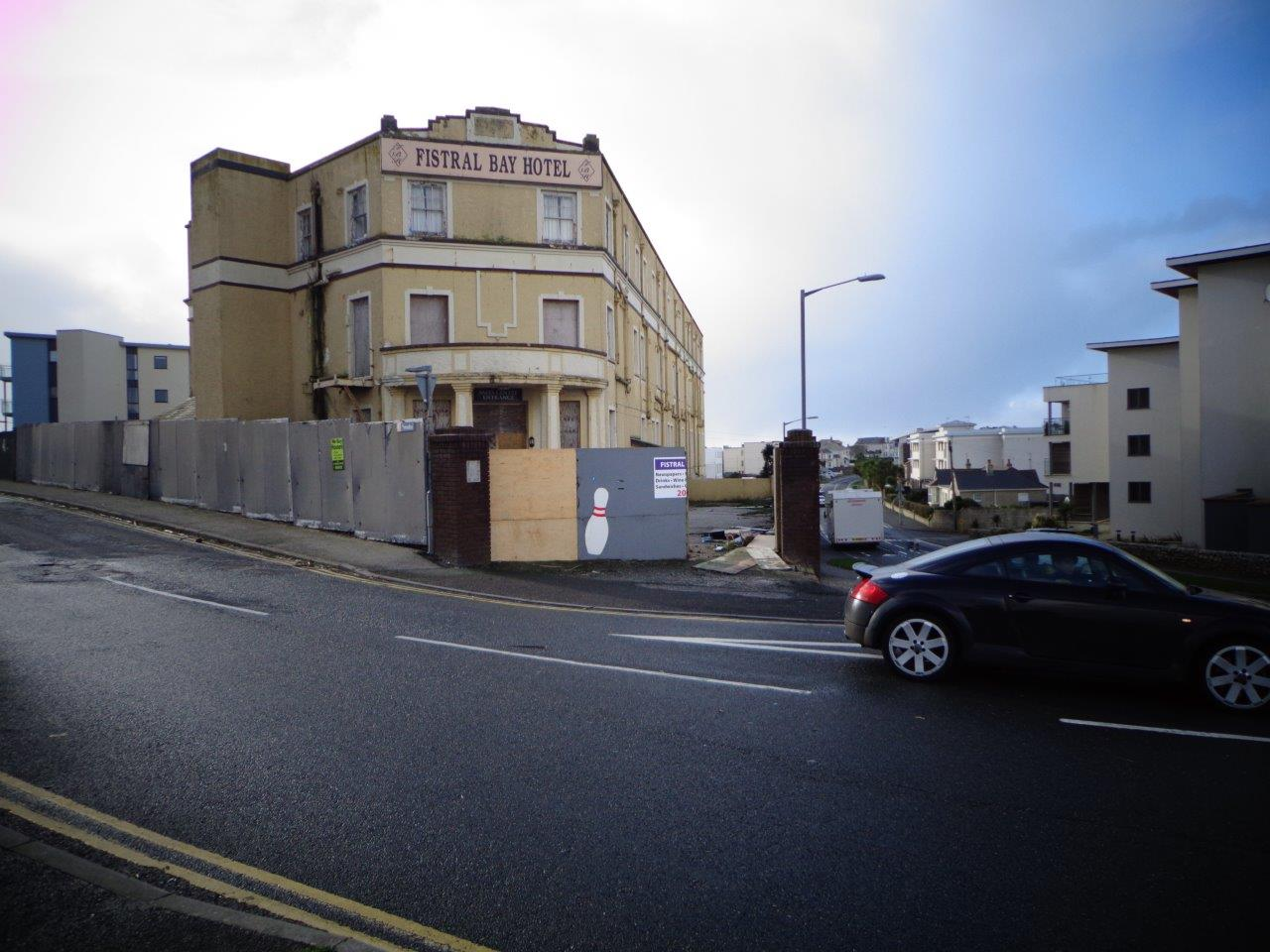 Stephen Gilbert Demands Meeting With Owners of Derelict Fistral Bay Hotel Site