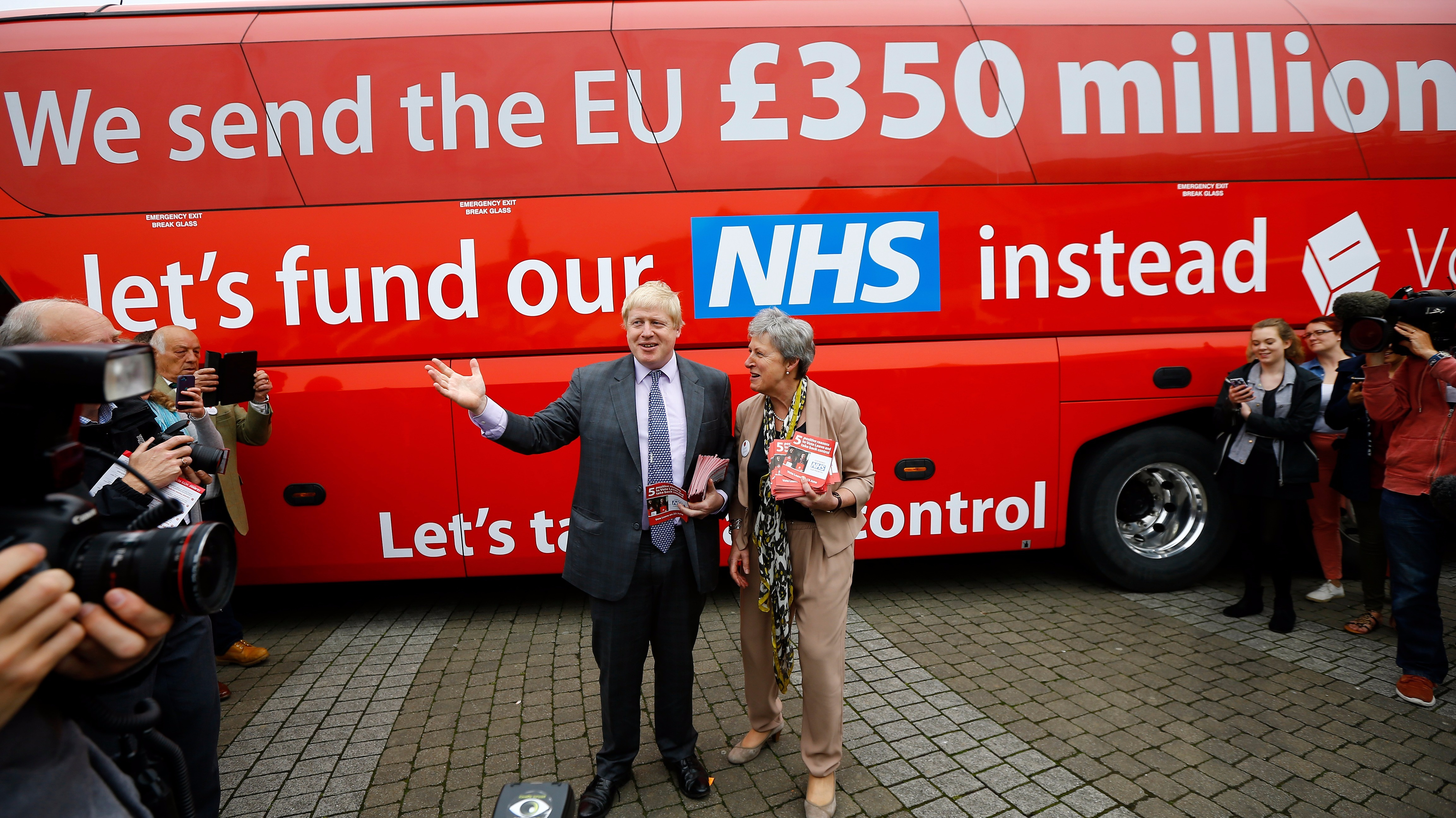 2016_Autumn_Statement_-_boris_and_that_bus.jpg