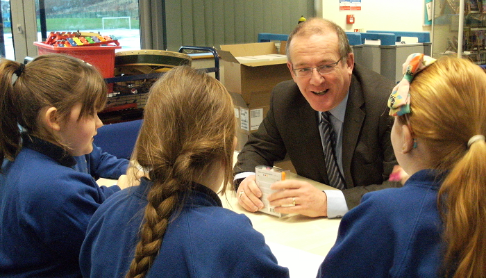 key_aled_with_schoolchildren.png