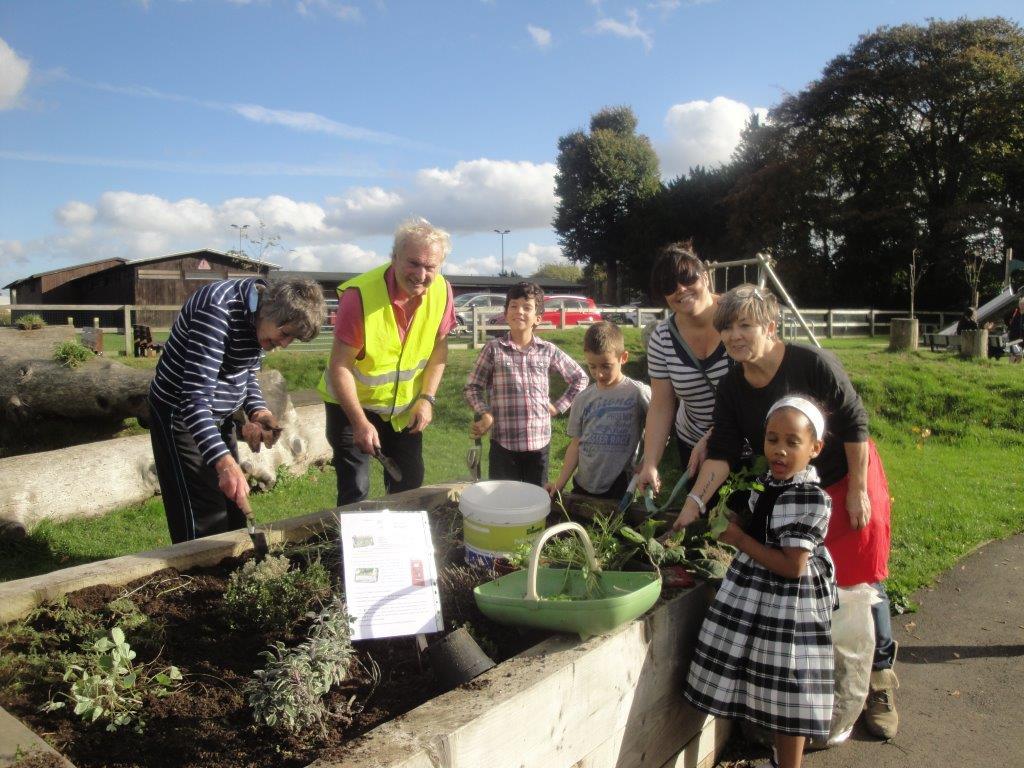 Gade Valley Councillor Gardens with Local Residents