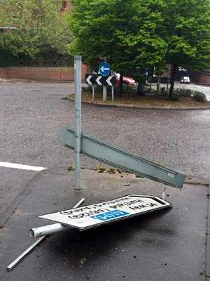 Flattened sign on Osborne Way