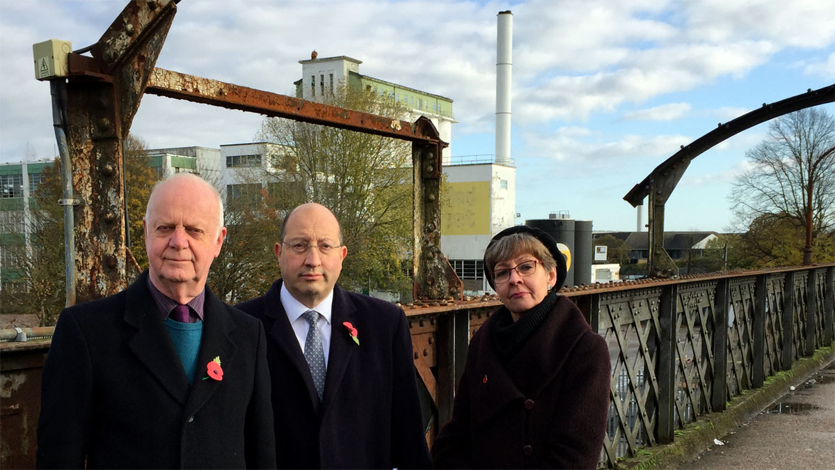 Councillors Malcolm Cowan, Frank Marsh and Siobhan Elam on the footbridge at Welwyn Garden City railway station