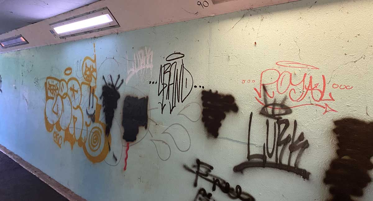 Grafitti eyesore in subway near Mundells