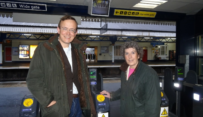 key_Jackie_Porter_and_Martin_Tod_at_Winchester_Station.jpg