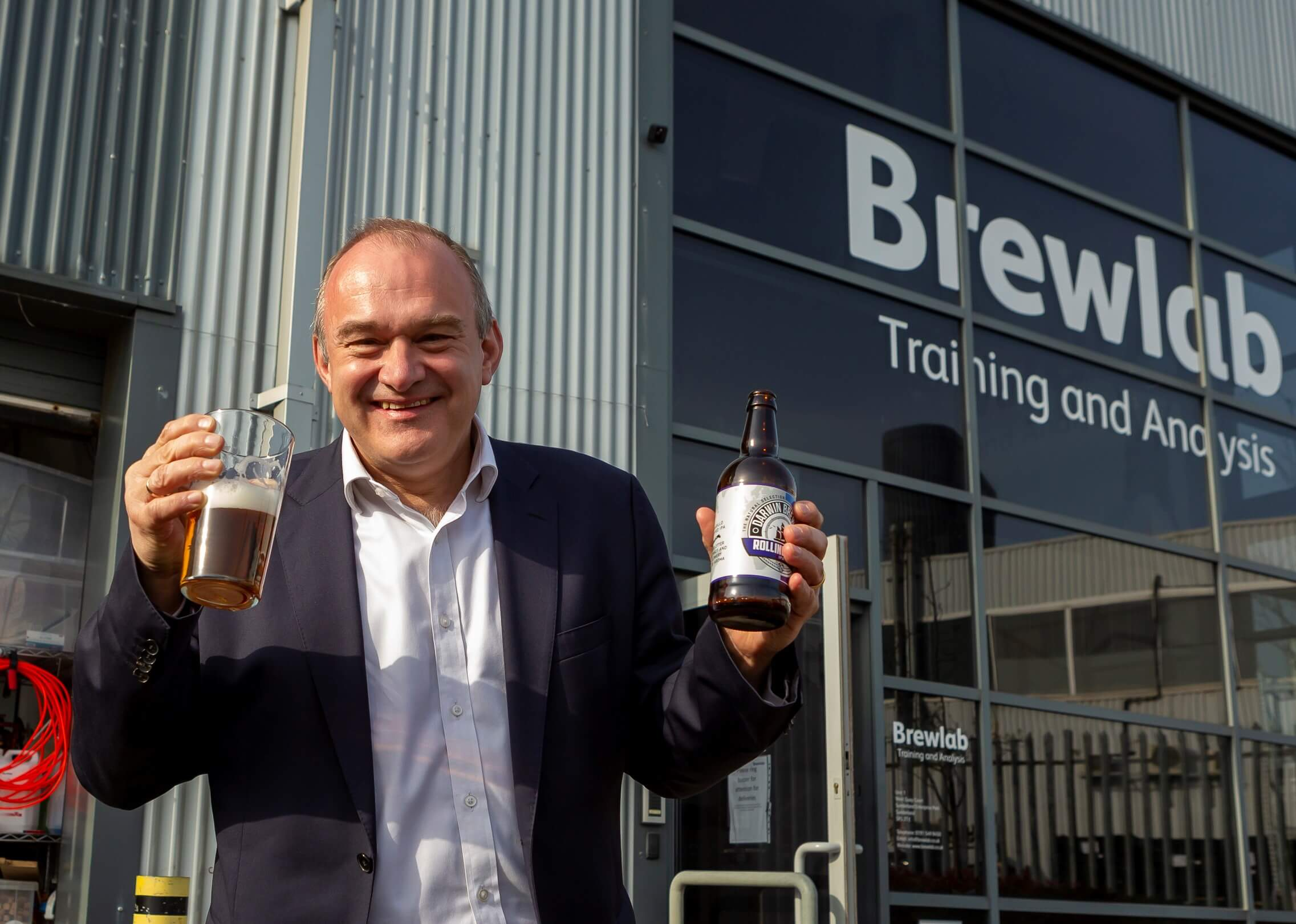 Ed Davey visits a small business in Sunderland