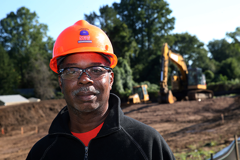 I raised 6 kids on union wages. I put 4 through college. Without the union, I don't think I could do it and I'd like to see other members get to where I'm at today. That's why I vote. | Calvin Hooper, Local 77 Retiree