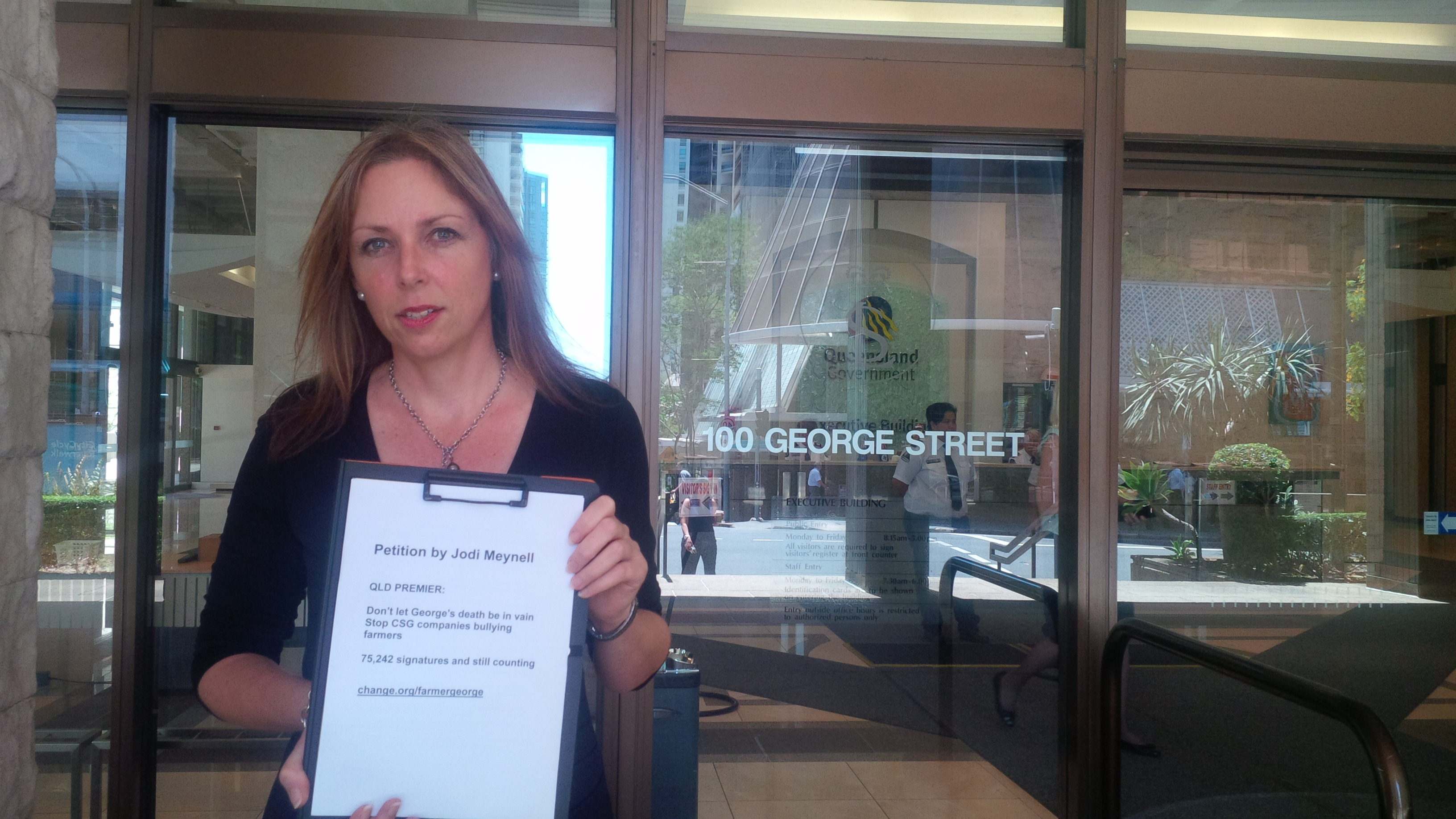 Jodi_Meynell_with_George_Bender_petition.jpg