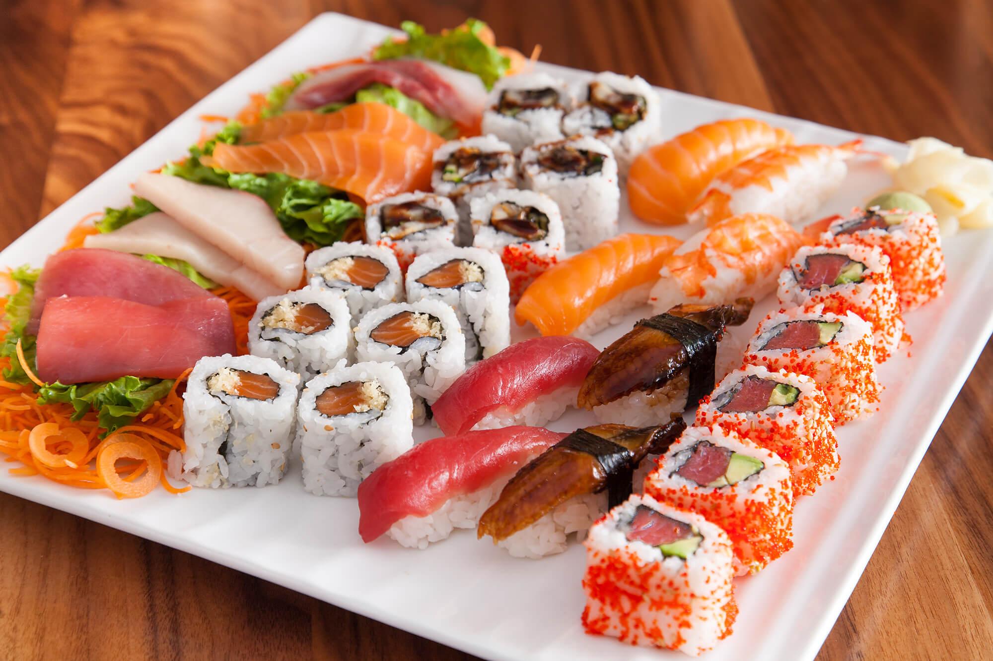 sushi_and_sashimi_for_two.0.jpg