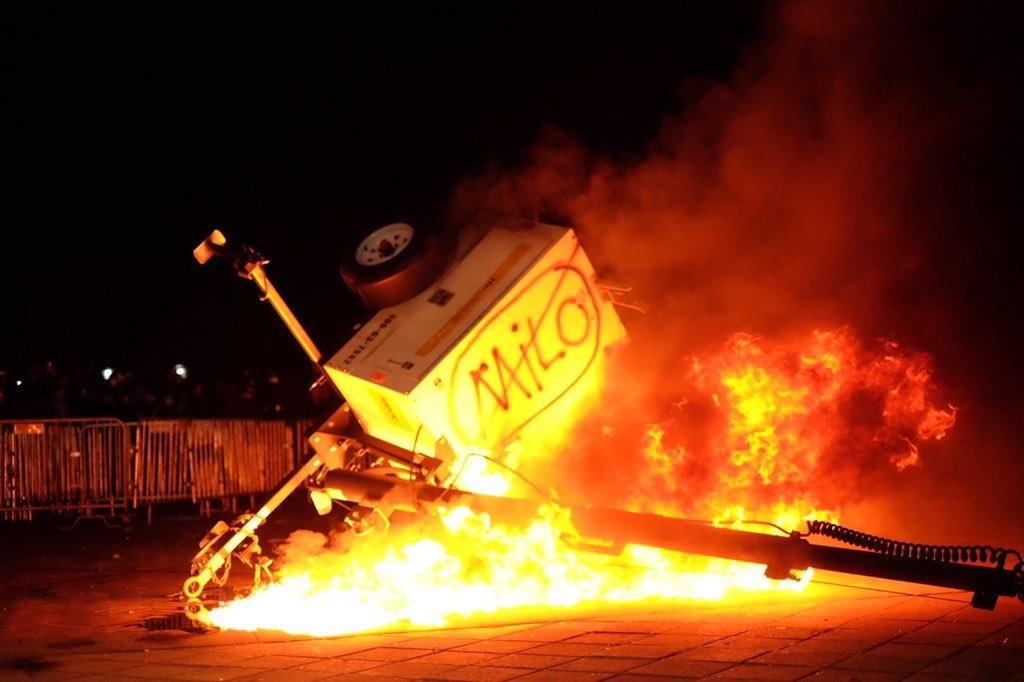 Berkeley-protest-fire.jpg