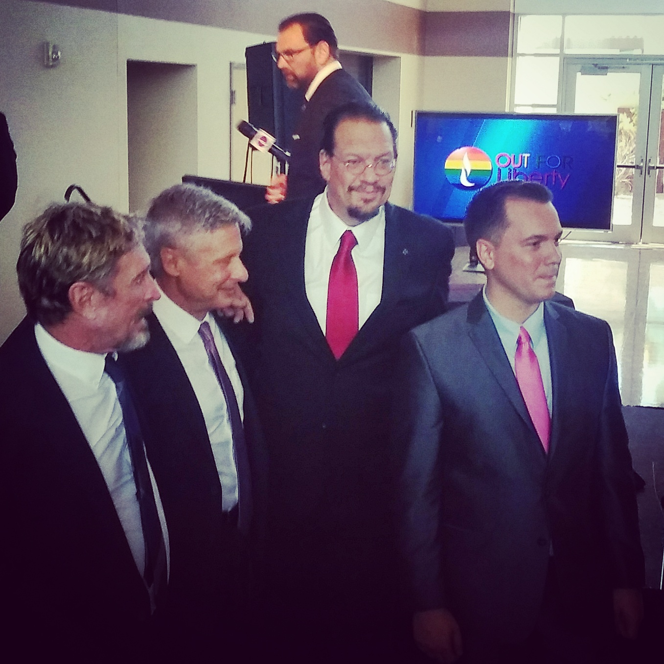 Penn Jillette with the Libertarian candidates. Photo by Jason Nellis.