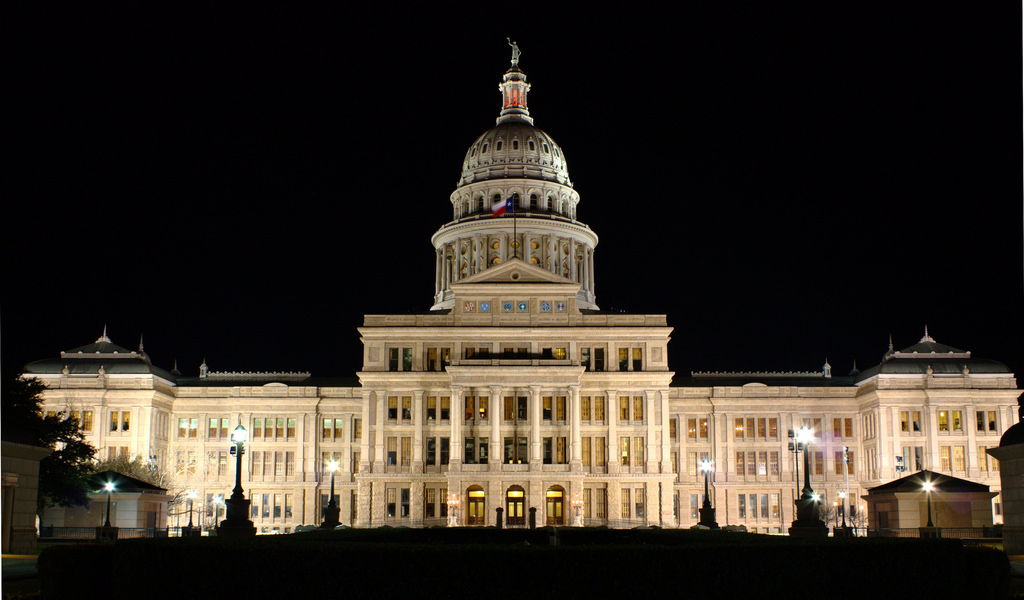 Texas_Capital_North_Night.jpg