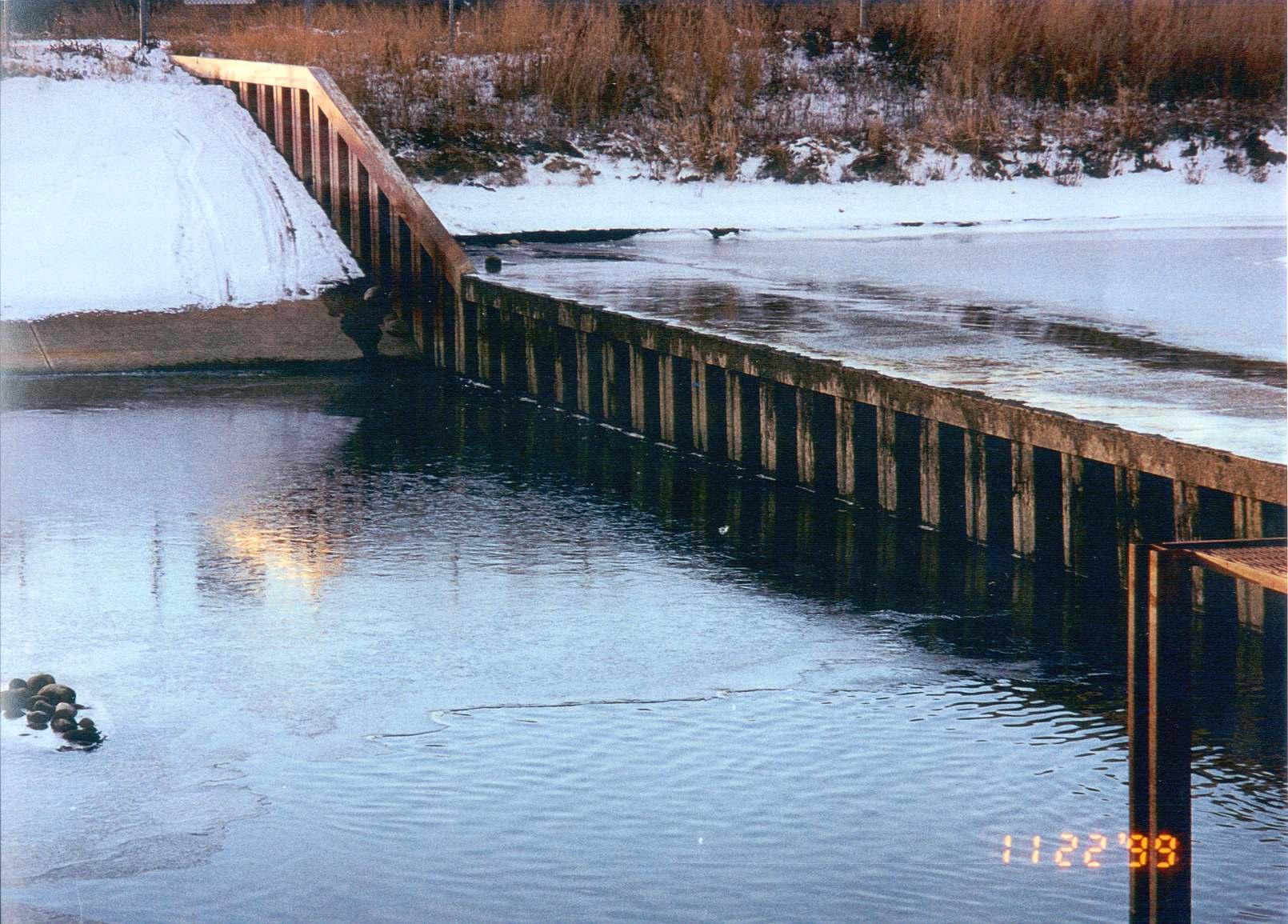 Slave_Lake_Weir.jpg