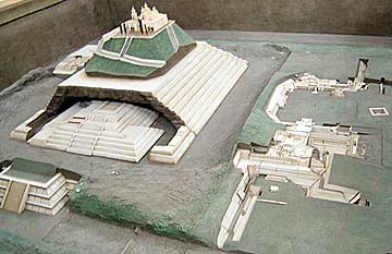 Model of the Great Pyramid of Cholula located in the museum in Cholula, Puebla, Mexico. Photo: Wikipedia