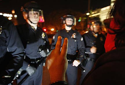 LAPD officers surrounding the Occupy L.A. encampment, Nov. 30, 2011. Photo Reuters/McNew
