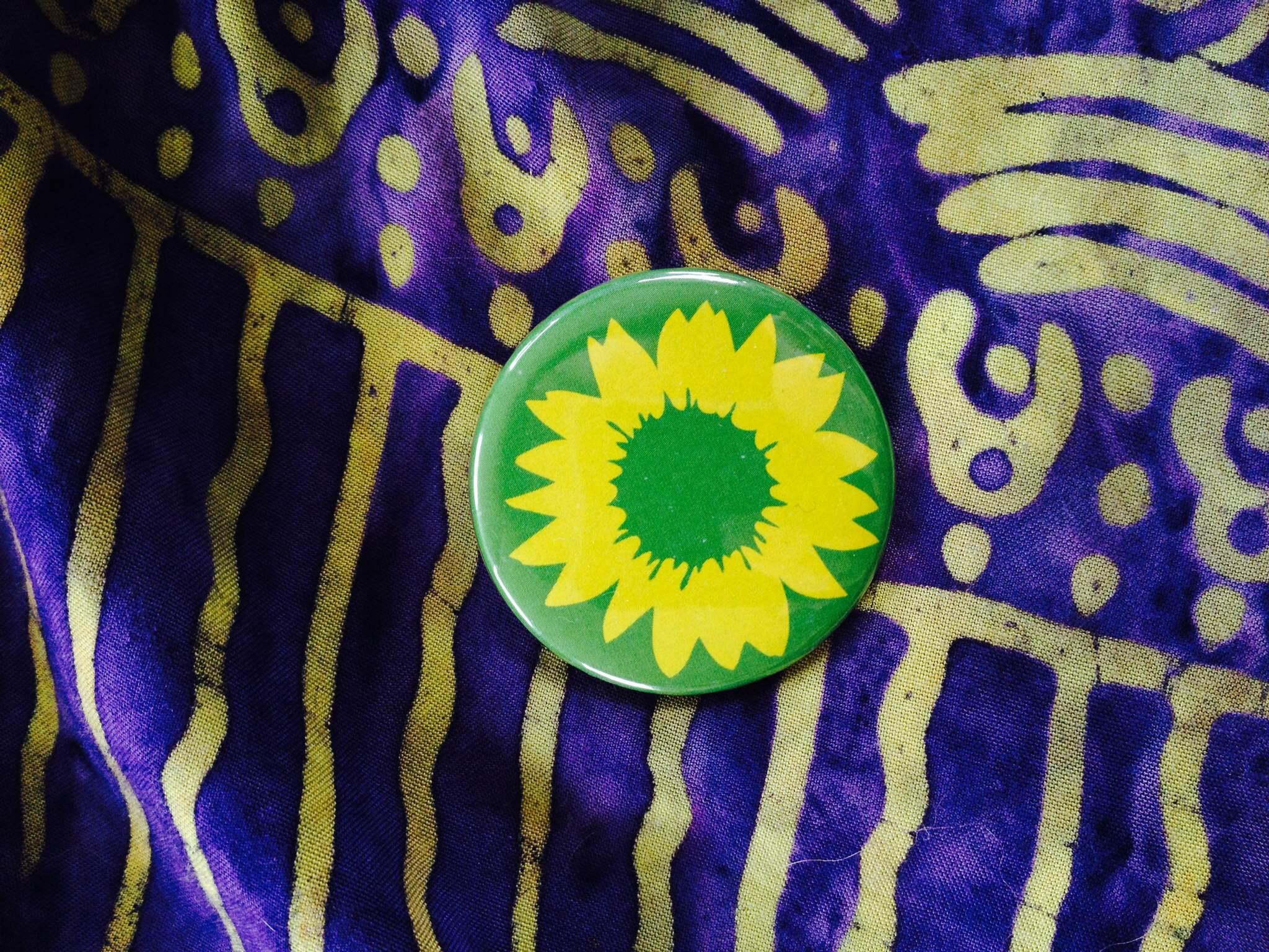 FlowerSingleButton.JPG