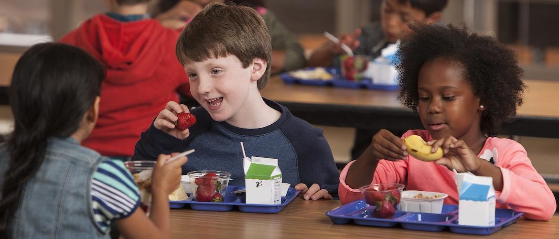 Une_-_kids_healthy_school_food.jpg