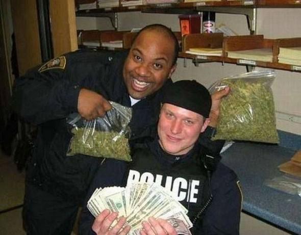 the-police-do-their-job-09.jpg