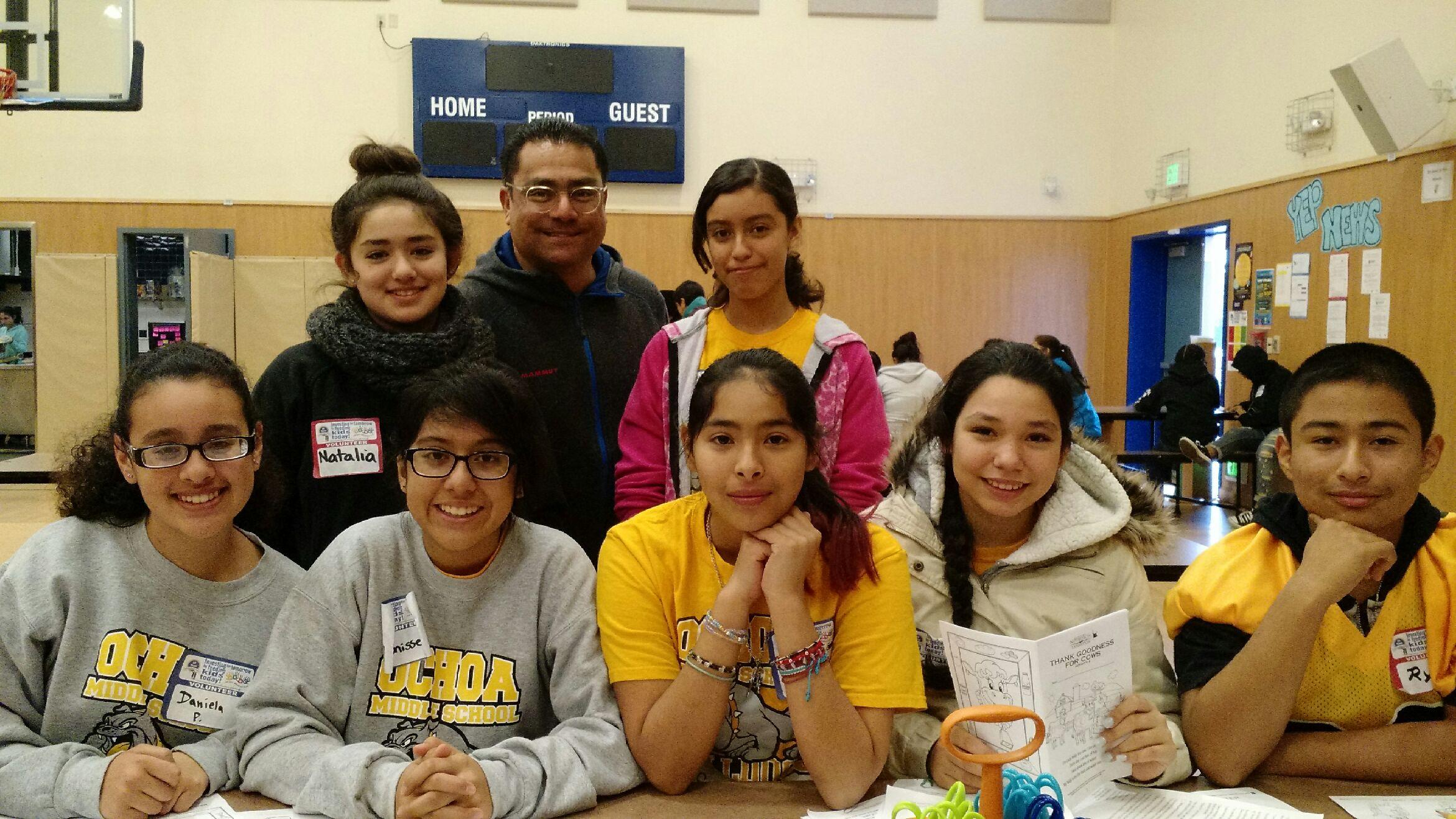 Ochoa_volunteers.JPG