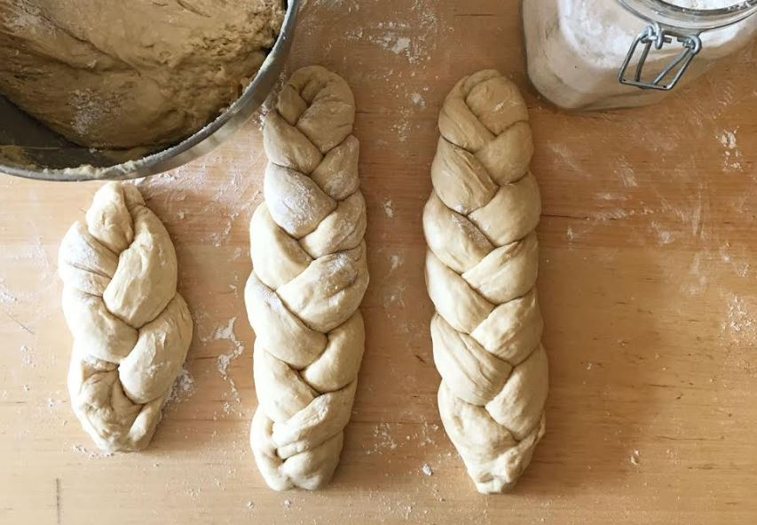 Making_Challah_at_Home.JPG
