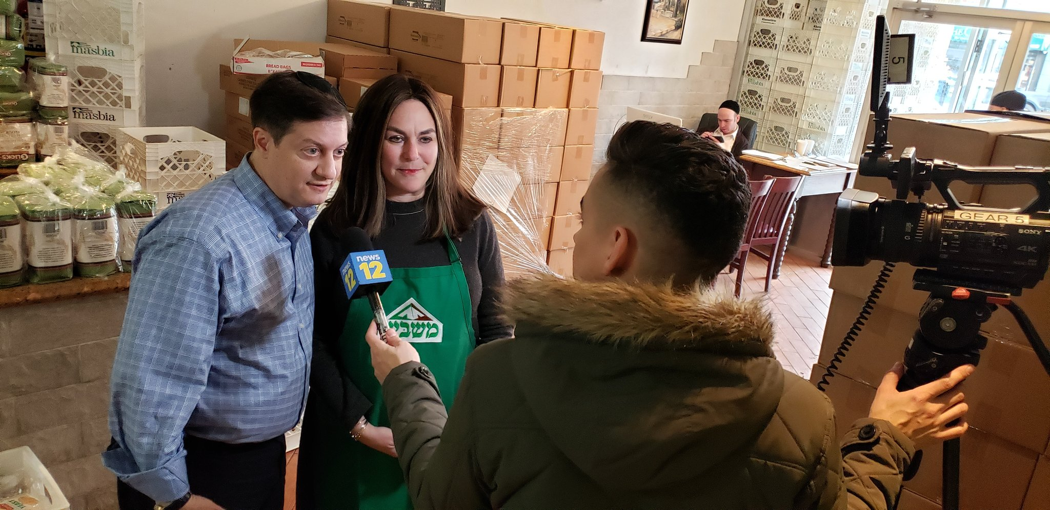 reporter Arnold Davick presents the story of Leora to distribute 1000 challahkits to the needy