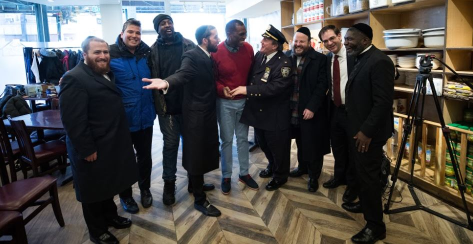 officials members of NYC and NJ gathering together at masbia of boro park