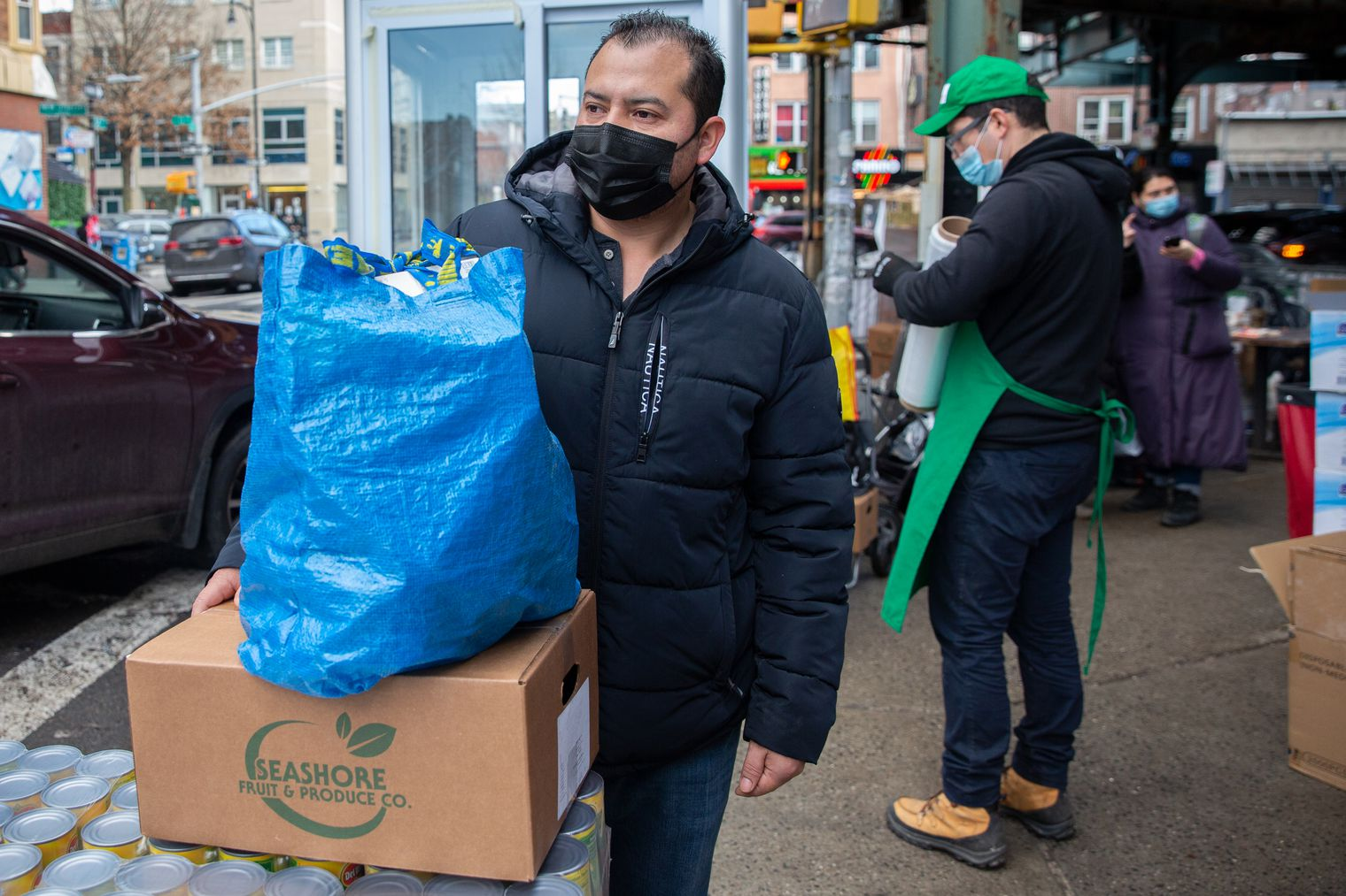 Marcelino Cabrera unemployed due to the coronavirus thanks Masbia for helping those in need with groceries to feed their families