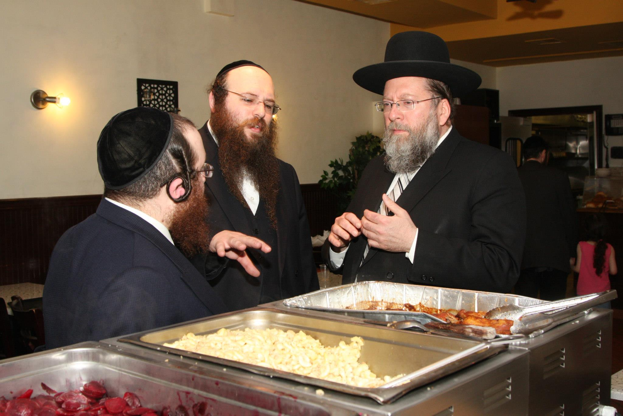 Masbia_Supporter__Rabbi_Moshe_Tuvia_Lieff_of_Agudath_Israel_Bais_Binyamin_Visiting_Masbia_of_Flatbush.jpg