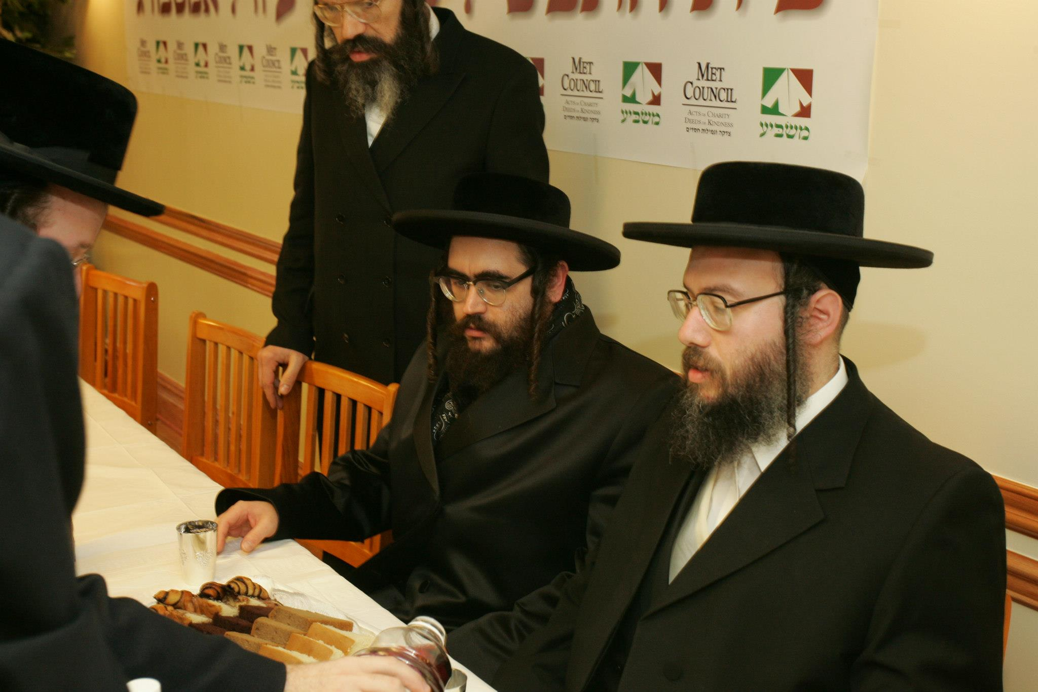 Masbia_Supporter__Rabbi_Mendel_Teitelbaum_of_Satmar_of_Williamsburg__visiting_Masbia_of_Williamsburg.jpg