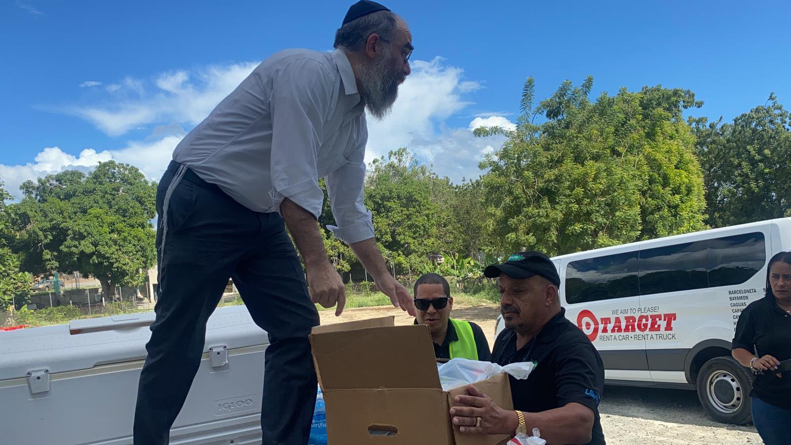 Chabad_of_Puerto_Rico_Emergency_Relief_Distribution.jpg