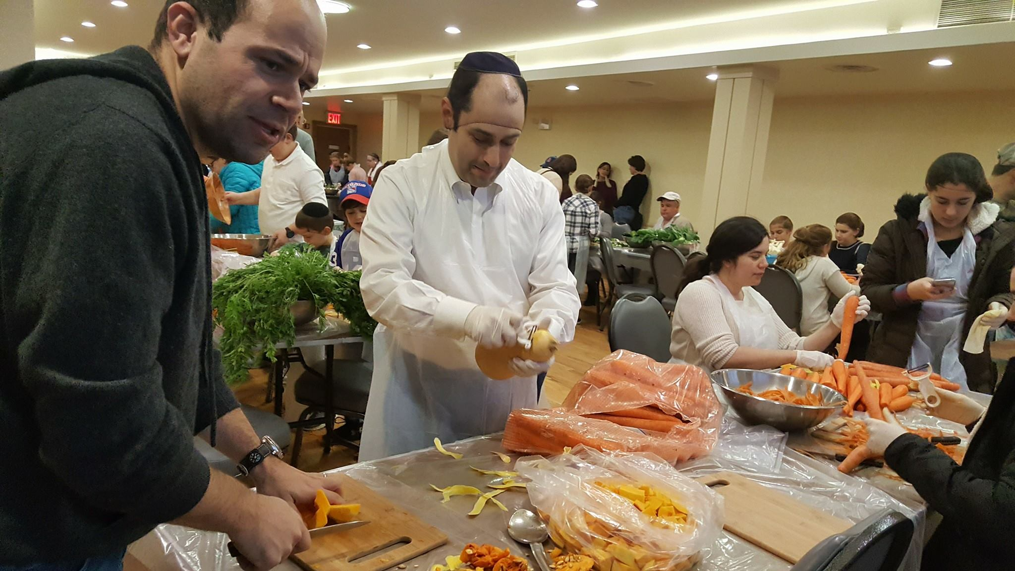 Orach_Chaim_Volunteer_Day_Masbia.jpg