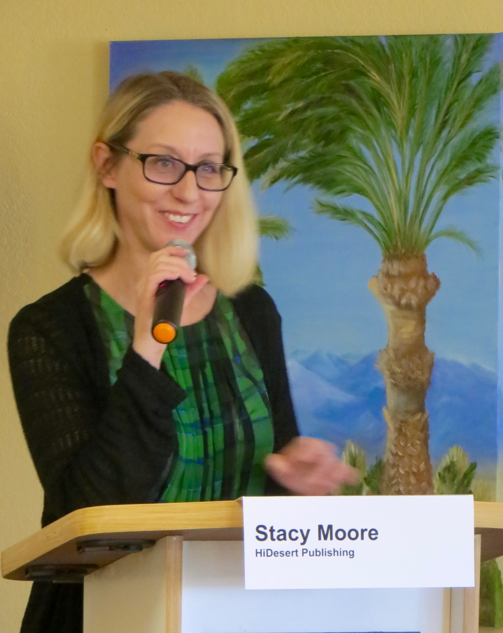 Emcee_Stacy_Moore.jpg