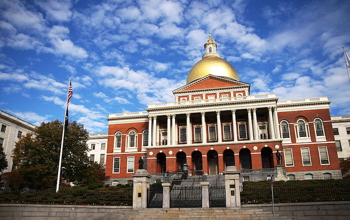 800px-Massachusetts_Statehouse.jpg