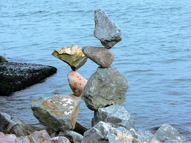 rocks-216205_640.jpg