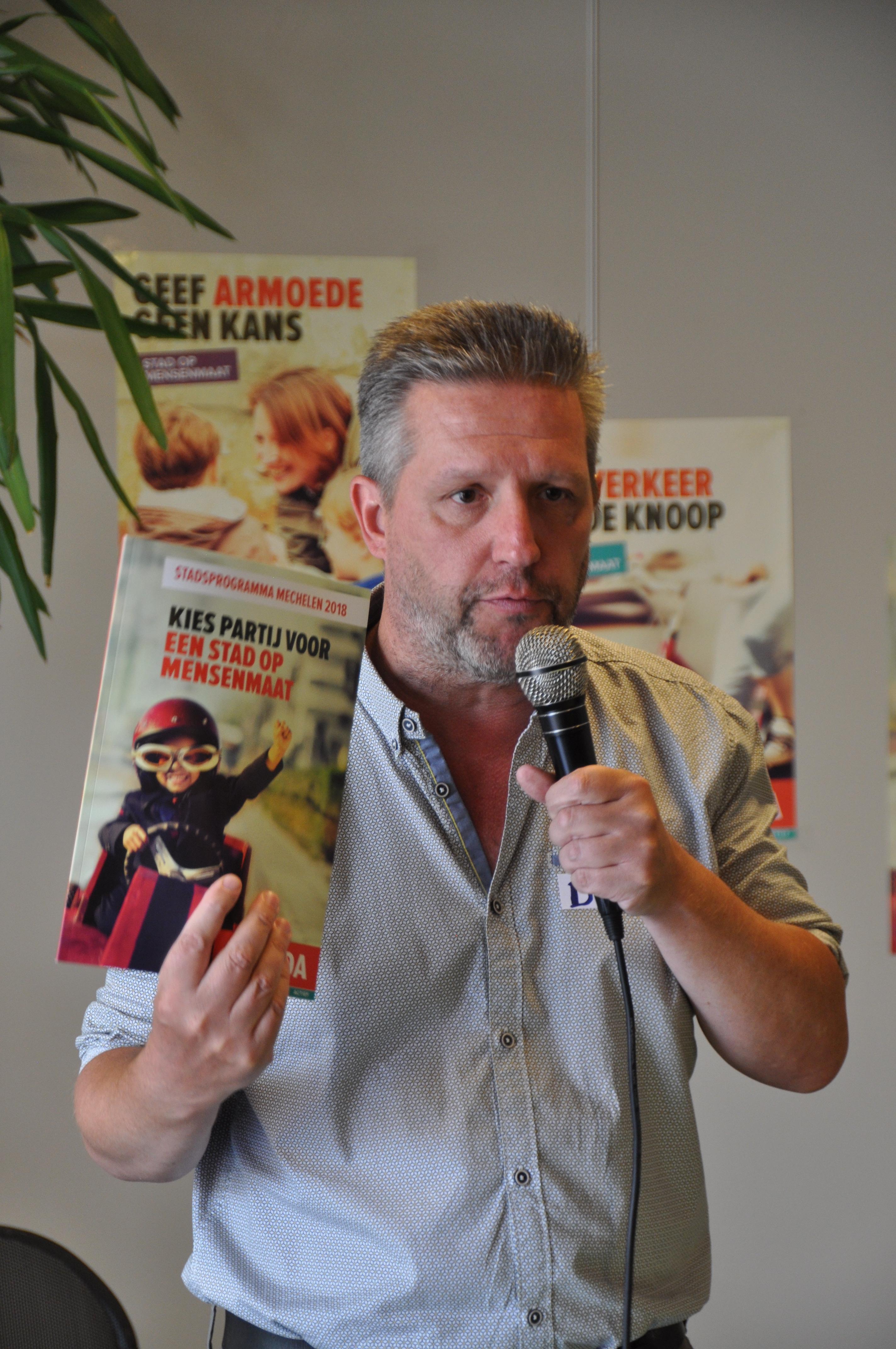 Dirk Tuypens met het programma