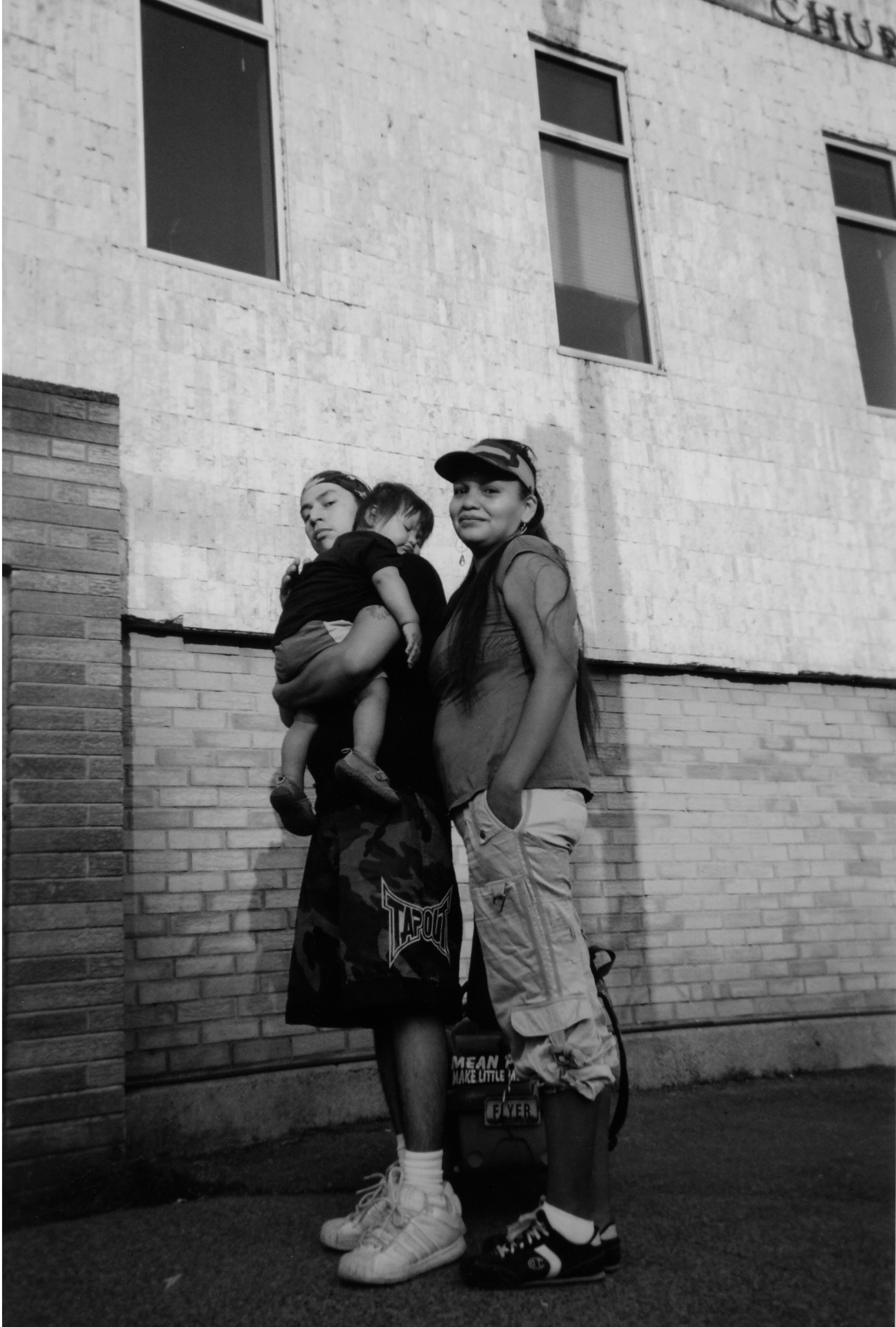 2009-BW-032-Azrael-Aboriginal_Family.jpg