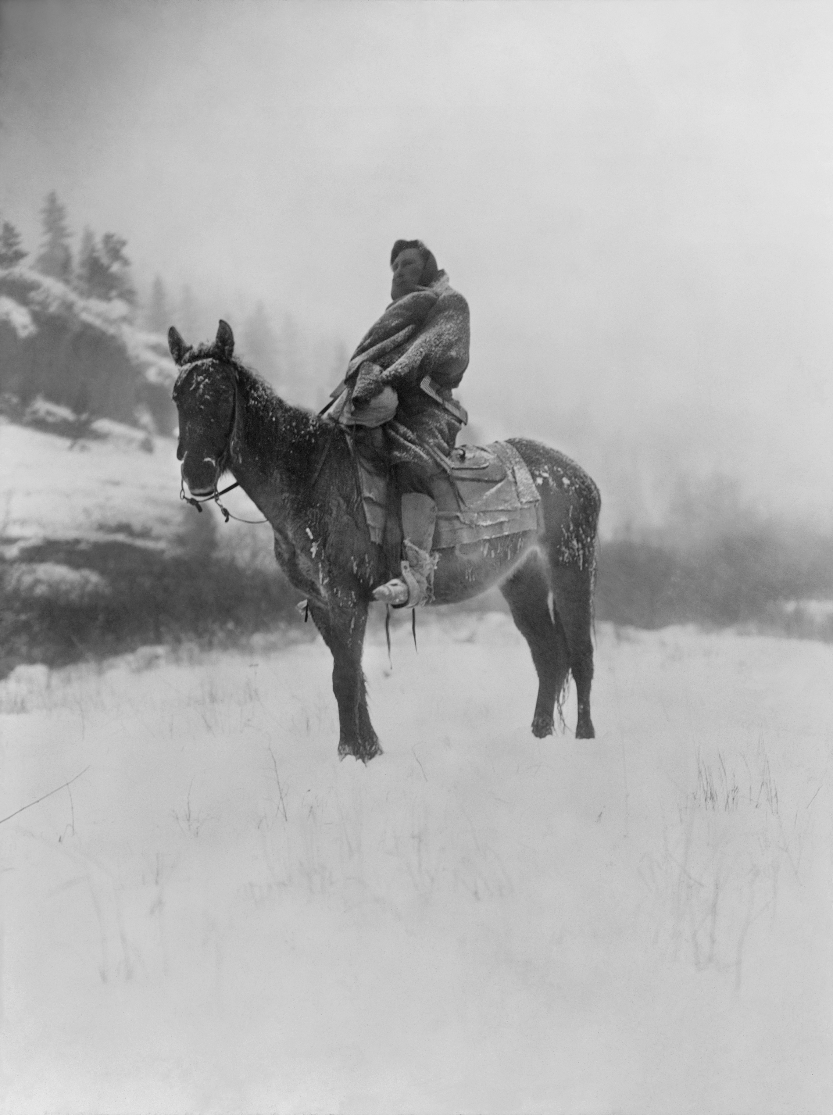 The_Scout_in_Winter__Crow__1908__Edward_S._Curtis_(restored_II).jpg