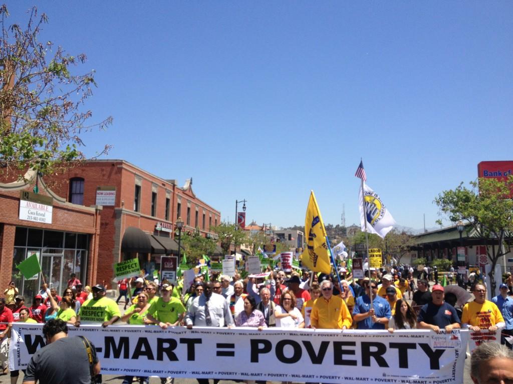 Walmart_poverty.jpg