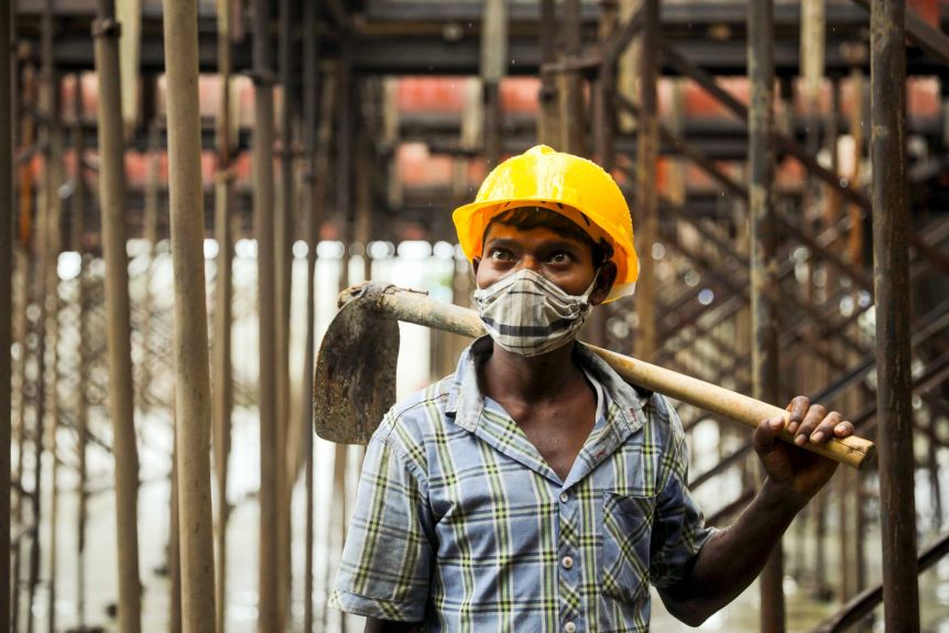 India worker