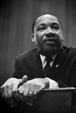 Martin_Luther_King_press_conference_01269u_edit.jpg