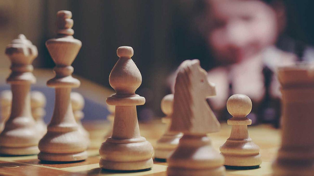 Klasse für Alle: Von Akten minutenlanger Unruhe und einer Schachmeisterschaft