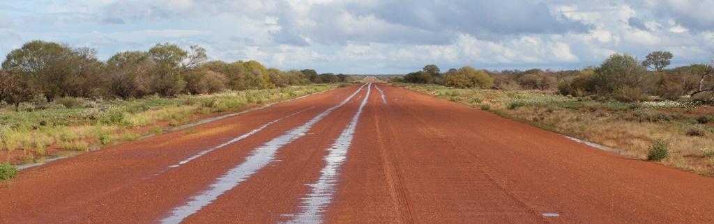 Wet_Murchison_Road.JPG