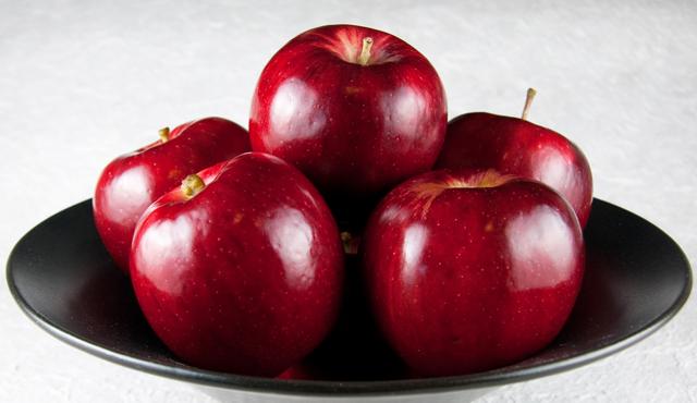 bowl-of-apples-21.jpg