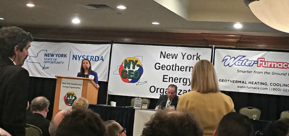 NY_BilliiRoberts_at_NYS_Energy_Mtg_20180418_094029_CE.jpg