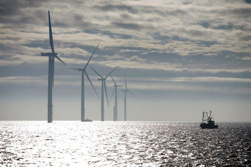 TurbinesoffthecoastofnorthLincolnshireEngland_Photo-David_Sillitoe.jpg