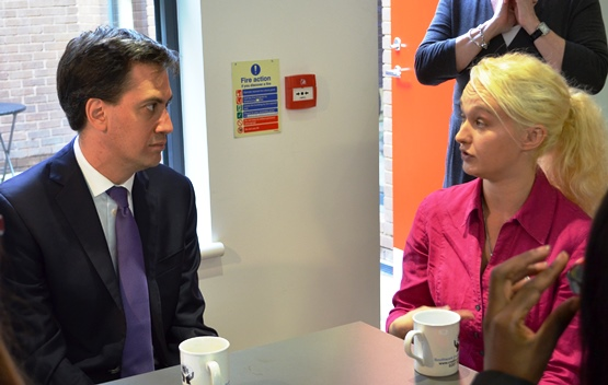 Ed_Miliband_meets_with_Stevie_-_small.jpg