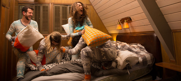 COLLECTION-IMAGE-PILLOW-FIGHT_grande.jpg