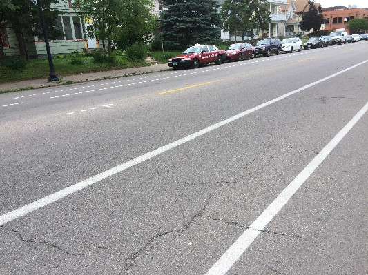 chicago-ave-bike-lanes.jpg