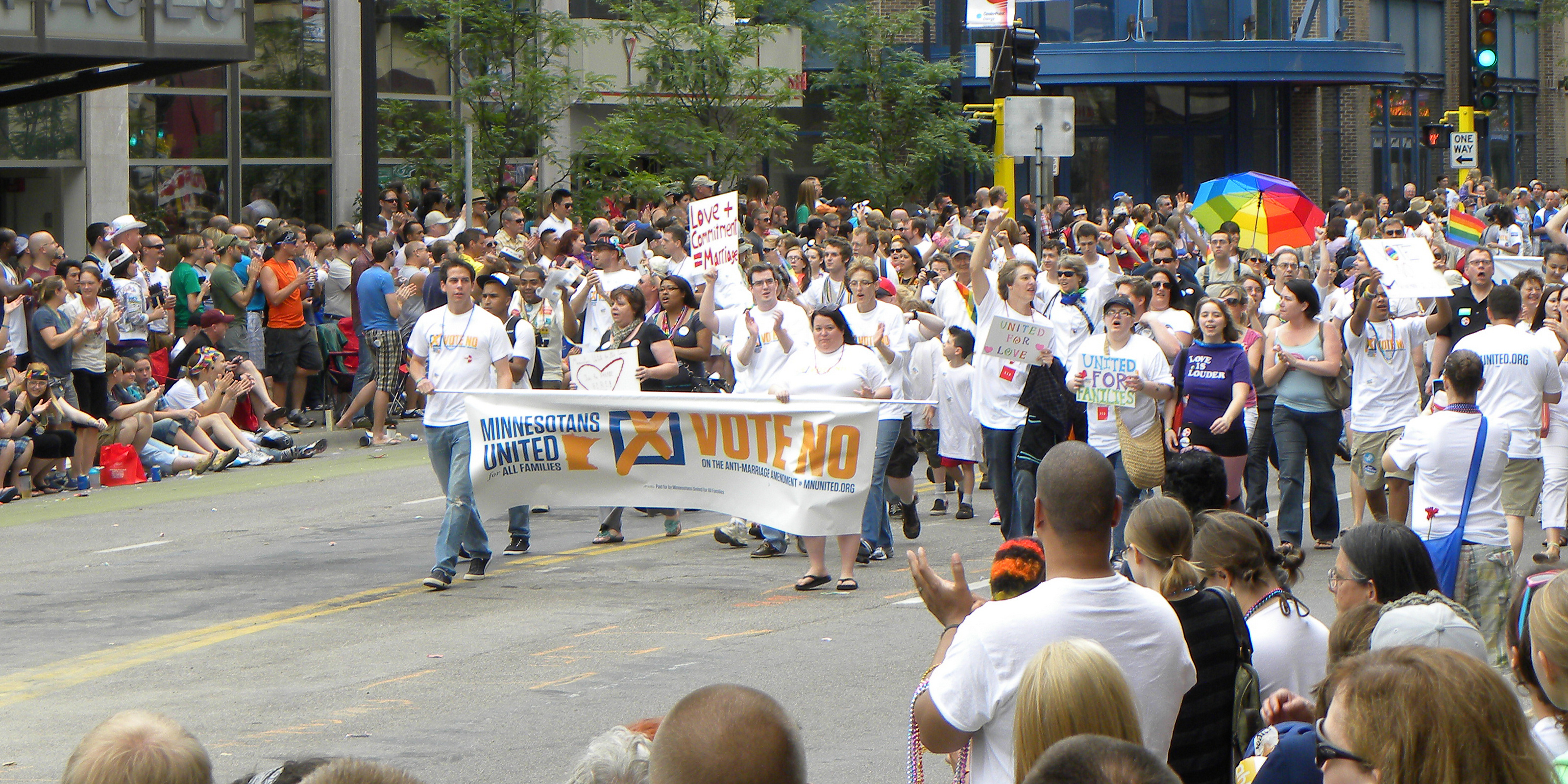 Minnesotans_United_at_the_Twin_Cities_Pride_Parade_2011_(5873844895).jpg